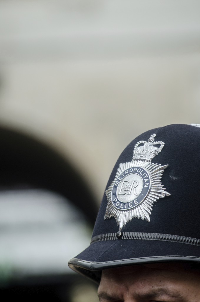 London-Metropolitan-Police-helmet-000024558728_Medium